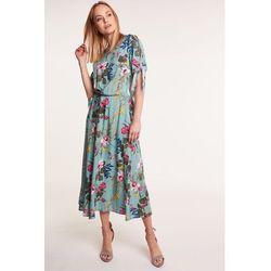 b725b5cbba57 Długa sukienka w kwiaty marki Jelonek