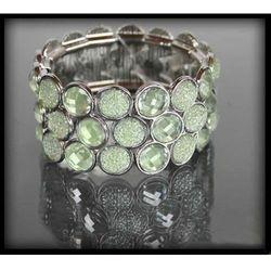 Błyszcząca bransoletka z przezroczystych jasnozielonych kryształków