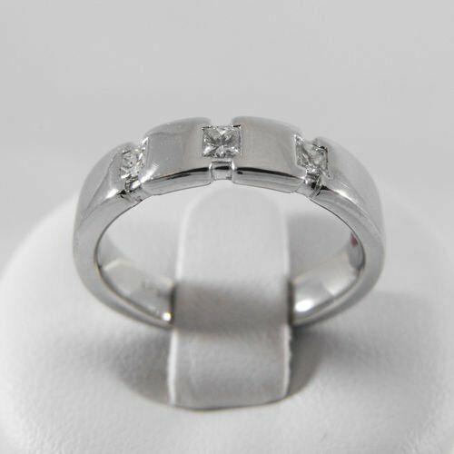 Pierścionki i obrączki, Złoty pierścionek z brylantem P1413