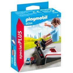 PLAYMOBIL® SpecialPLUS Chłopiec z deskorolką i rampą 9094