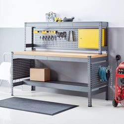 Stół roboczy z nadstawką, oświetleniem i trzema panelami narzędziowymi